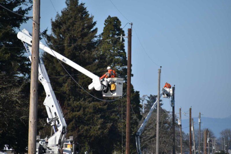 Crews working in Creswell to restore power