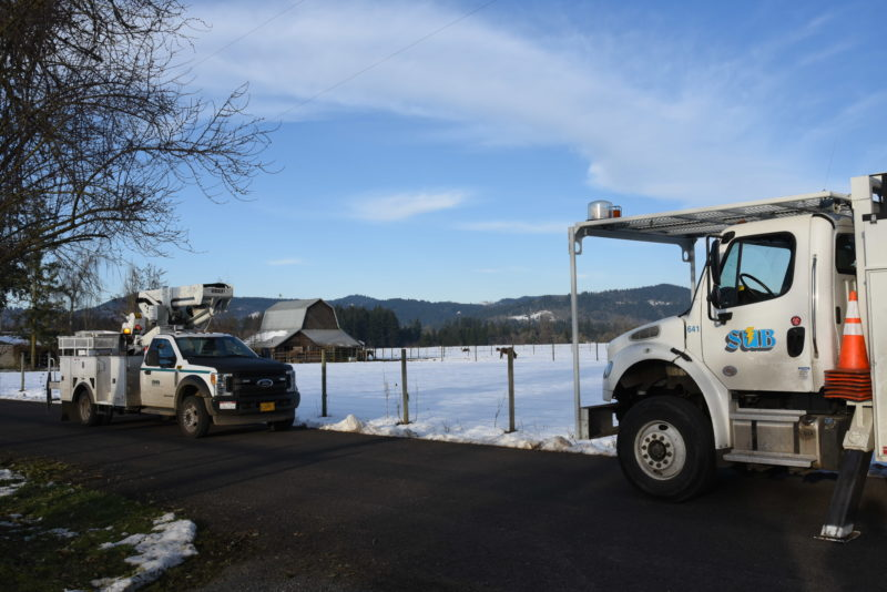 Springfield Utility Board assists EPUD in power restorations