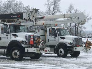 bucket trucks from Salem Electric
